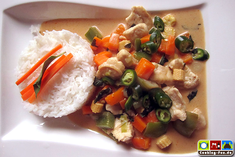 Thai Curry mit Kokosmilch