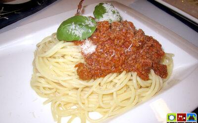 Spaghetti mit Sauce Bolognese