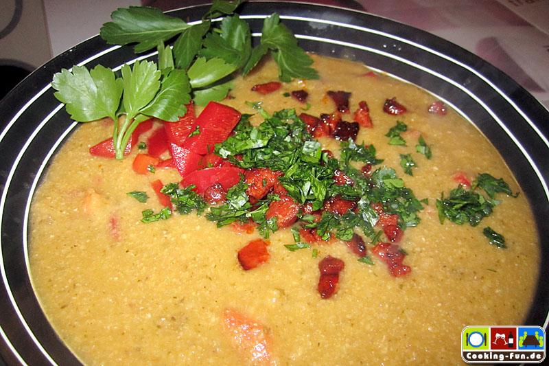 Kichererbsensuppe mit Chorizo-Croûtons