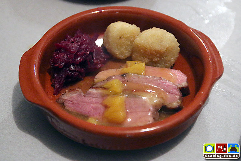 Orangierte Entenbrust mit Kartoffelklößen an Cranberry-Rotkohl