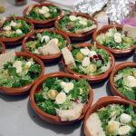 Bunter Winter-Salat mit Wachtel-Ei
